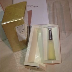 Issey Miyake Other - L'eau d'issey absolue parfum 50ml & Edt 10ml set
